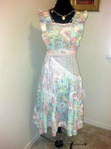 Rare 1960's Soft Colored Hawaiian Print Summer Dress Size 6