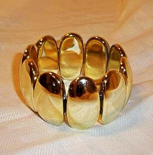 Vintage Design Oval Looking plastic Stretch Bangle Bracelet Golden Color