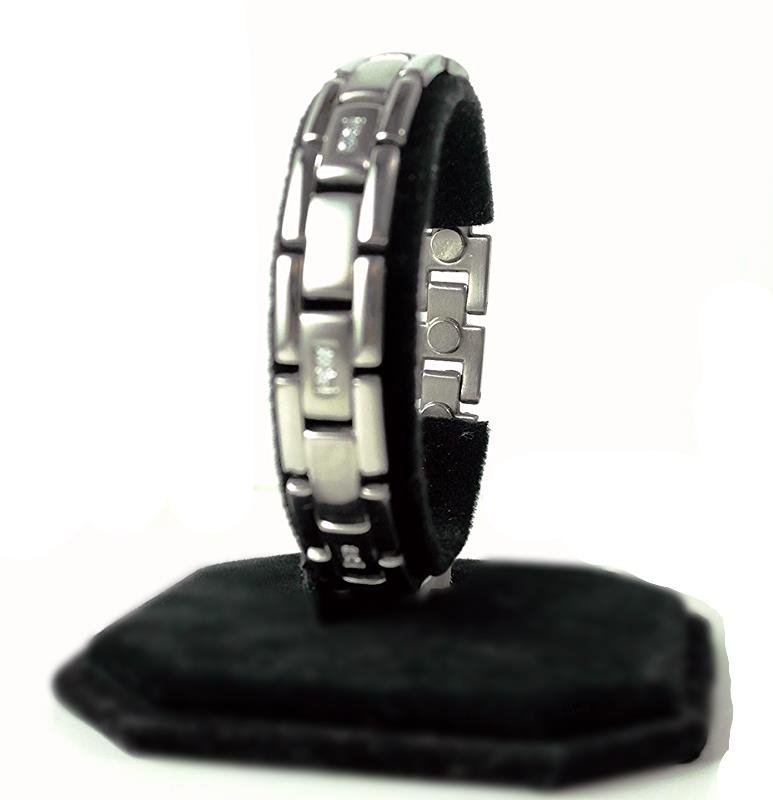 QB20 Dalimara Magnetic Stainless Steel Men's Bracelet with Crystals