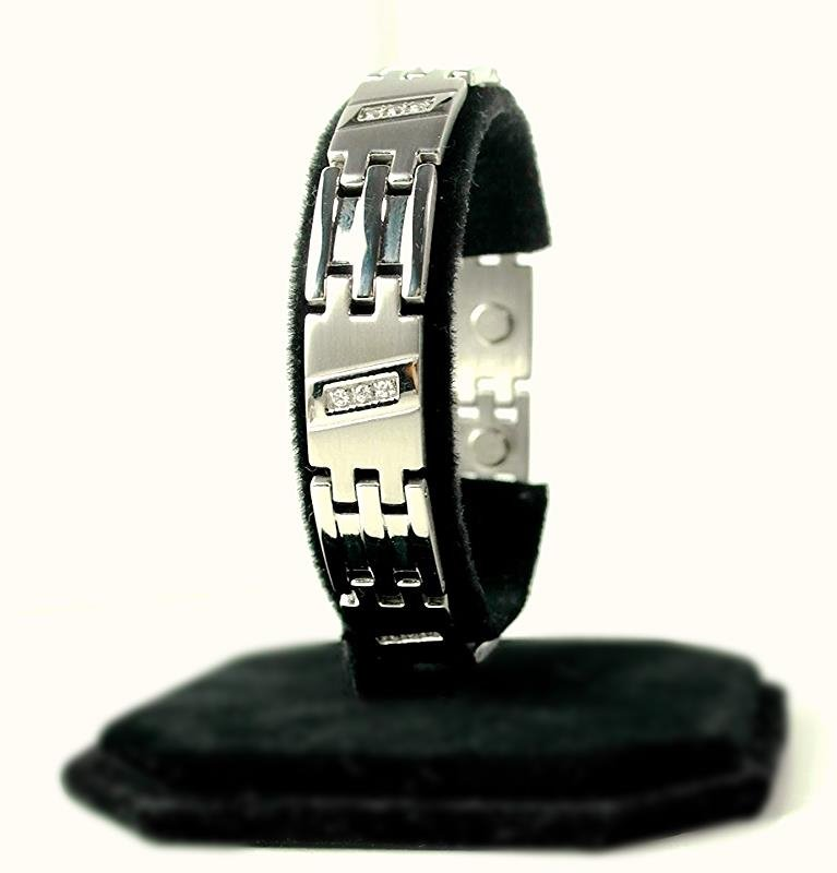 QB21 Dalimara Magnetic Stainless Steel Men's Bracelet with 5 Trio Crystals