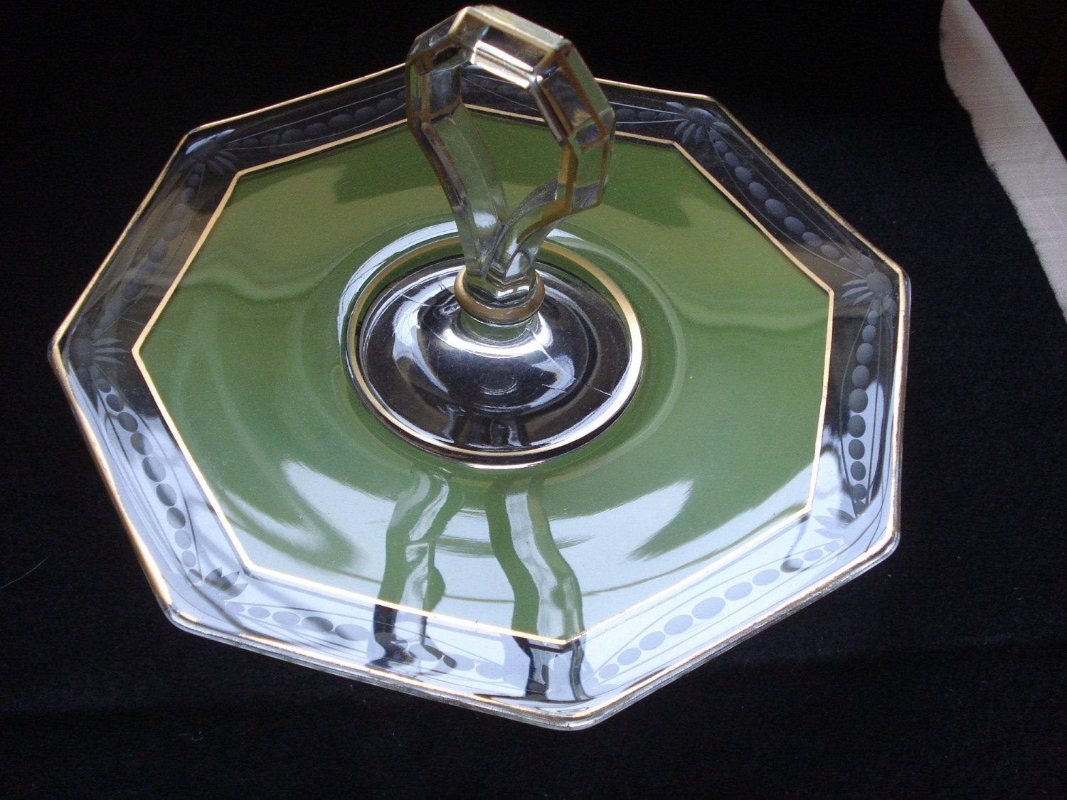Green Cased Wheel Cut Eight Sided Handled Sandwich Plate, Duncan & Miller, 1920s