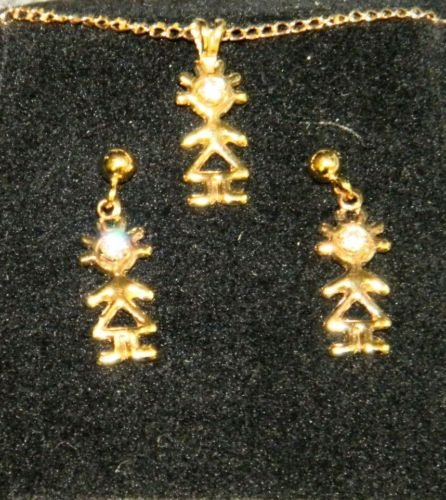 krementz xmas  CHILDS 14k gold  earrings necklace set