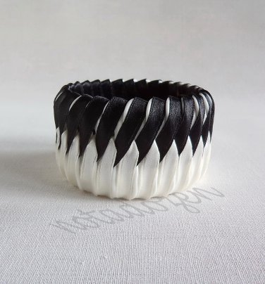 Recycled Bottle Caps Bracelet/two tone stripe bangle(31)-black and off-white ribbon wrapped/women