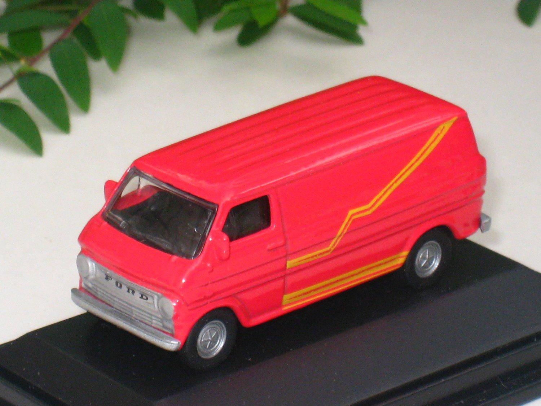 High Speed 1/87 Diecast Model Car FORD E-100 VAN 1974 Red