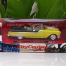 New Ray 1/43  Diecast model car   Pontiac Starchief  1955 YELLOW