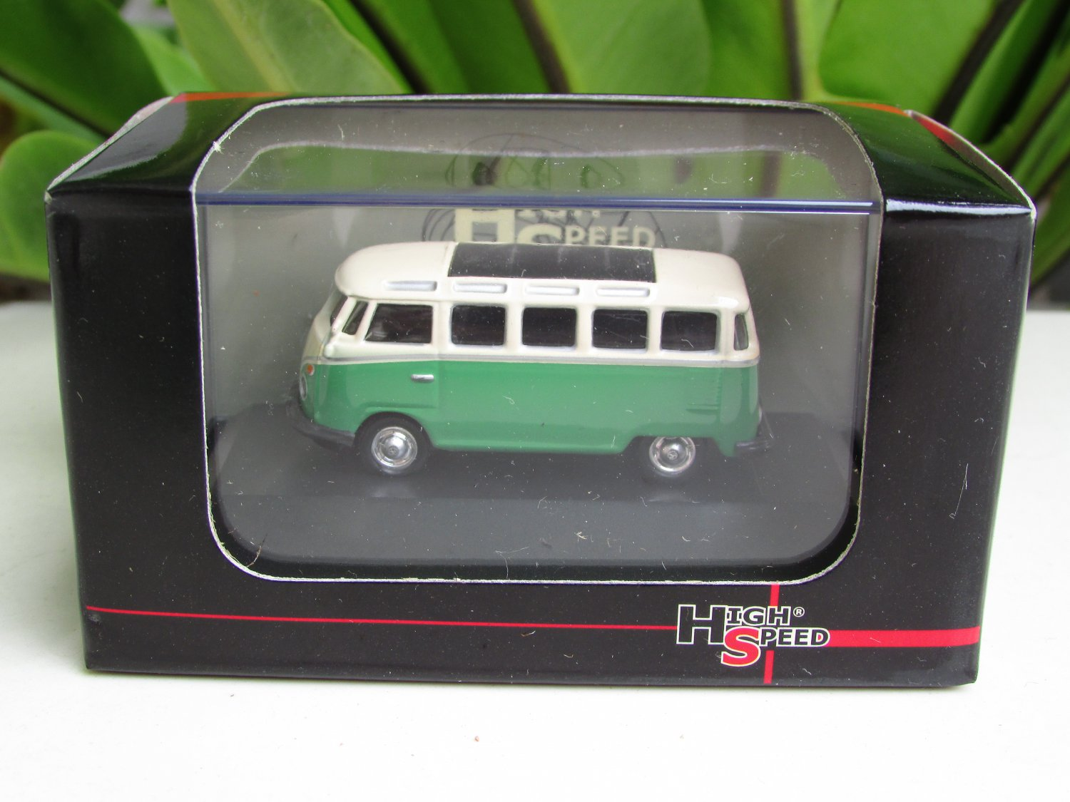 High Speed 1/87 Diecast Car Model  Classic Volkswagen VW Bus T1 Samba Bus Green (5cm)