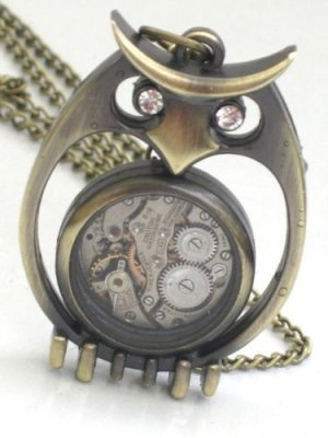 Steampunk SPOOKY OWL Pendant Necklace Watch Movement