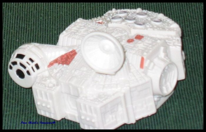 MILLENIUM FALCON Star Wars Episode III Revenge of the Sith Movie Toy Burger King ROTS