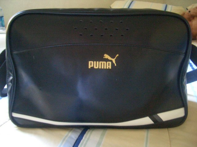 AuThenTiC PuMa CaRRy-On