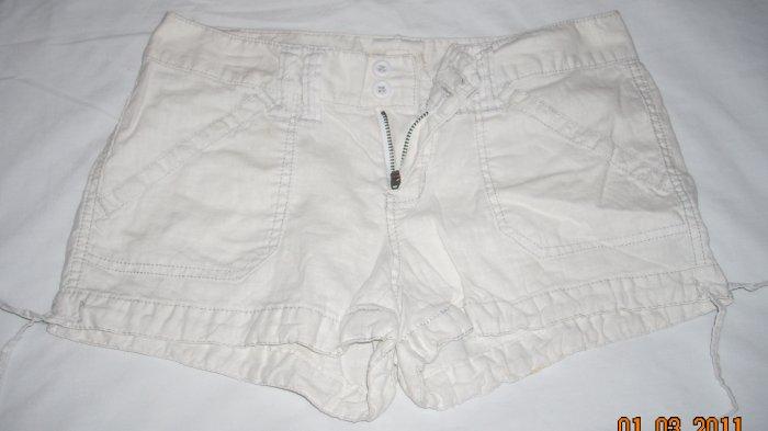 Teen/Girls White Shorts by aeropostle