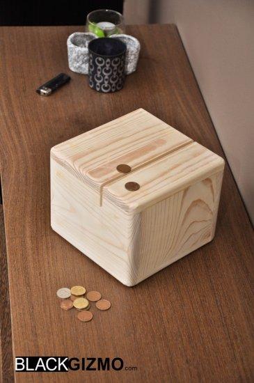 Money-Box  MB001