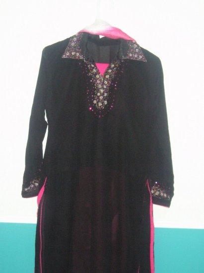 Shalwar Kameez - Black and Pink Georgette