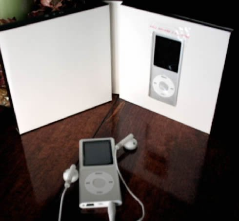 100 - 1.8 inch 4GB Ipod Nano Style MP3-MP4 Video Player with Voice record and FM Radio -Silver