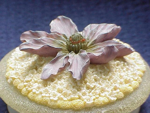 FLORAL FROSTED Jar Candle Topper Purple Flower