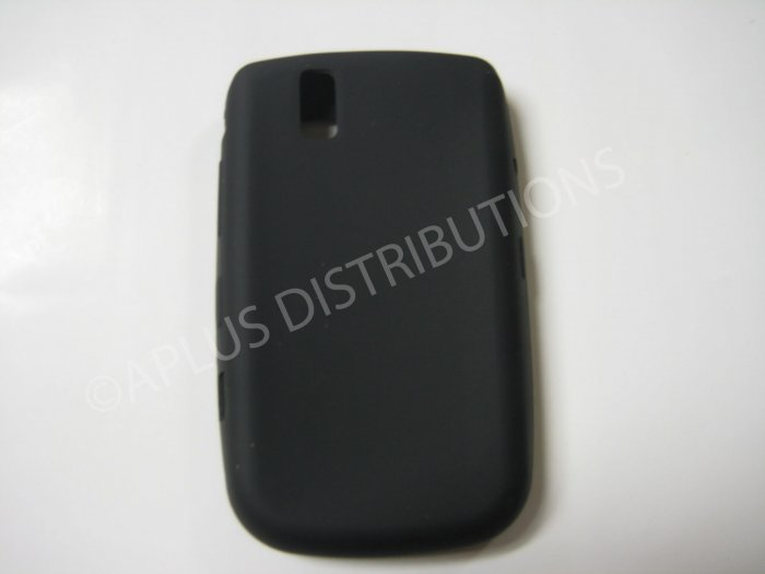 New Black Solid Color Silicone Cover For Blackberry 9630 - (0157)