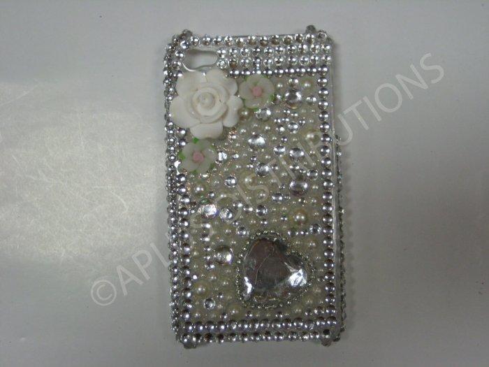 New White 3D Flower W/Diamond Heart Design Crystal Bling Diamond Case For iPhone 4 - (0046)
