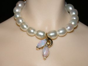 Double opal pearl necklace