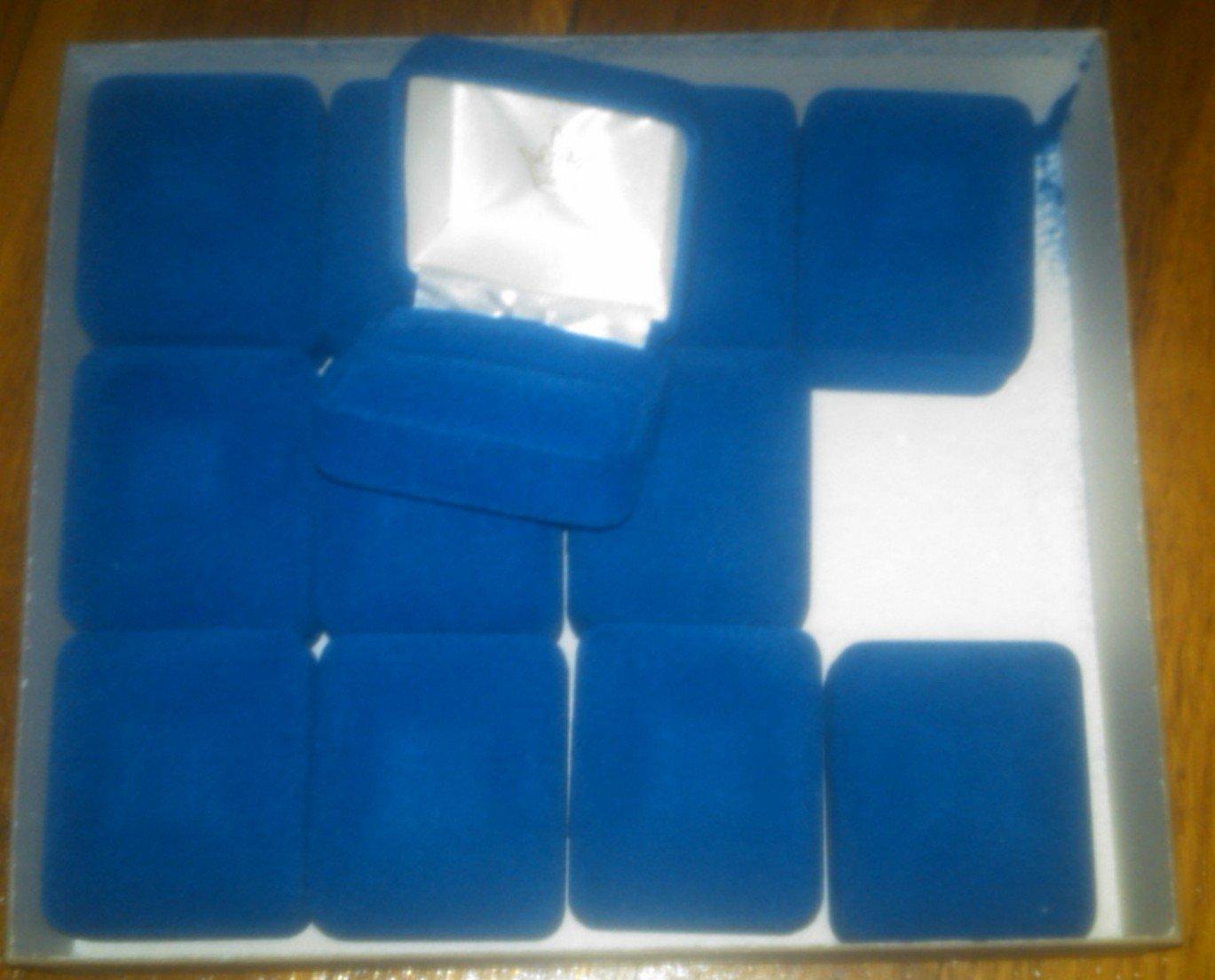 (12) Blue velvet ring boxes