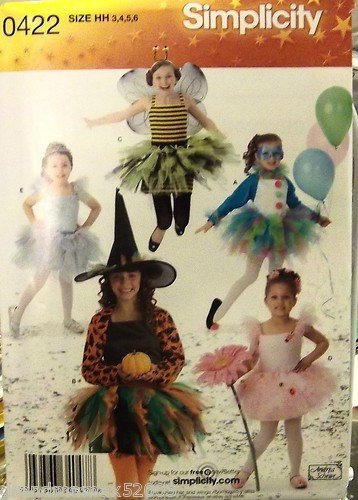 #0422 SIMPLICITY COSTUMES FOR CHILDREN SIZE HH PATTERN