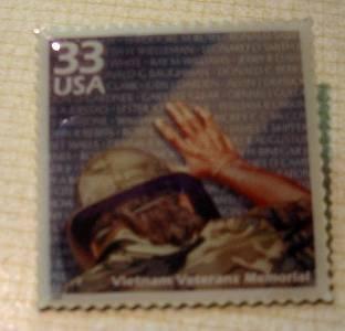 Vietnam Veterans Memorial stamp pin lapel pins 3190g s