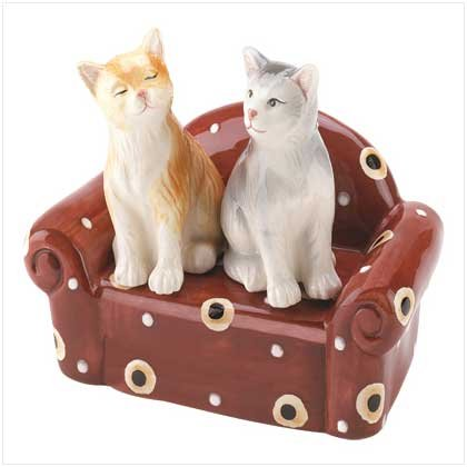 CUDDLY CATS SHAKER SET