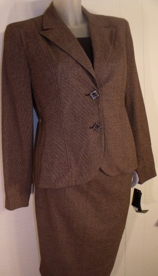 WOMEN CLASSIC SKIRT SUIT BY LARRY LEVINE