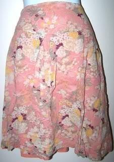 American Eagle Ladies 12 Skirt Pleaded Peach/White Flowers