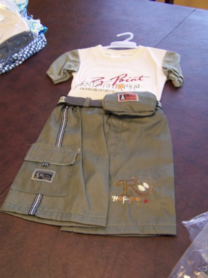 2t size medium Toddlers, Boys 3 piece short set by Ha Ha NWOT
