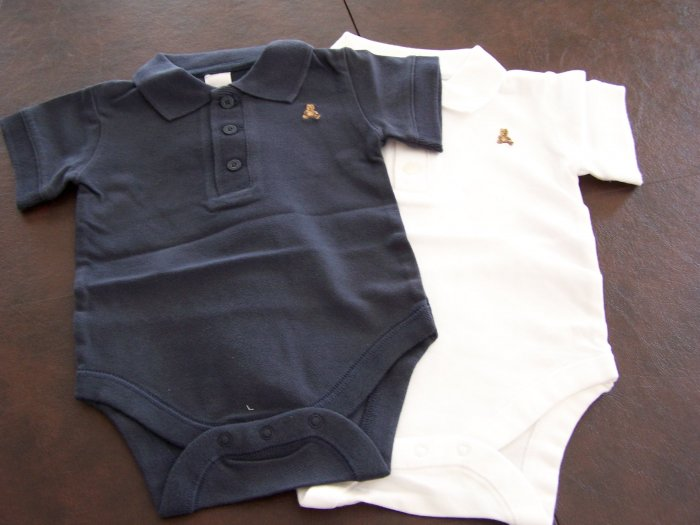 Set of 2 Baby Onesie, One Navy Blue and One White with Bear Logo, Size 3-6 mos NEW