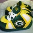 SLIPPERS HAPPY FEET GREEN BAY PACKERS STYLE SIZE MEDIUM NEW HOUSE SLIPPERS UNISEX
