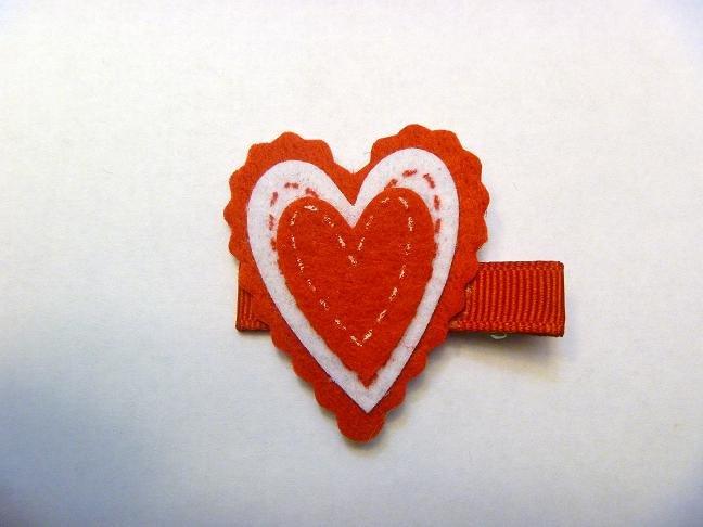 Felt Heart..valentine hair clip style 1