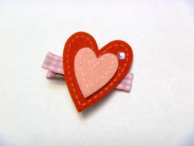 Felt Heart..valentine hair clip style 2