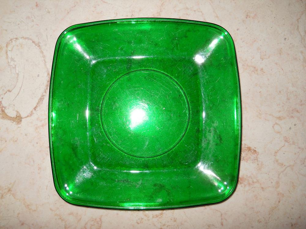 "Green Glass Plate - 8 1/4"" x 8 1/4"" x 3/4"""