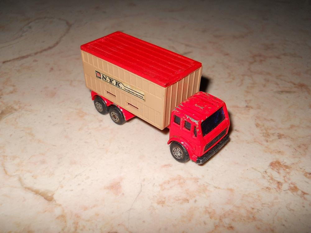 Mercedes Container Truck - Matchbox - Superfast - #42 - 1976