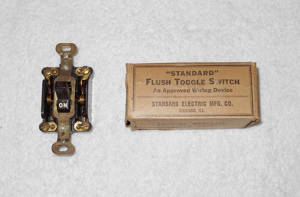 Standard Electric - Flush Toggle Switch - #6003 SB - Brown Bakelite - Vintage