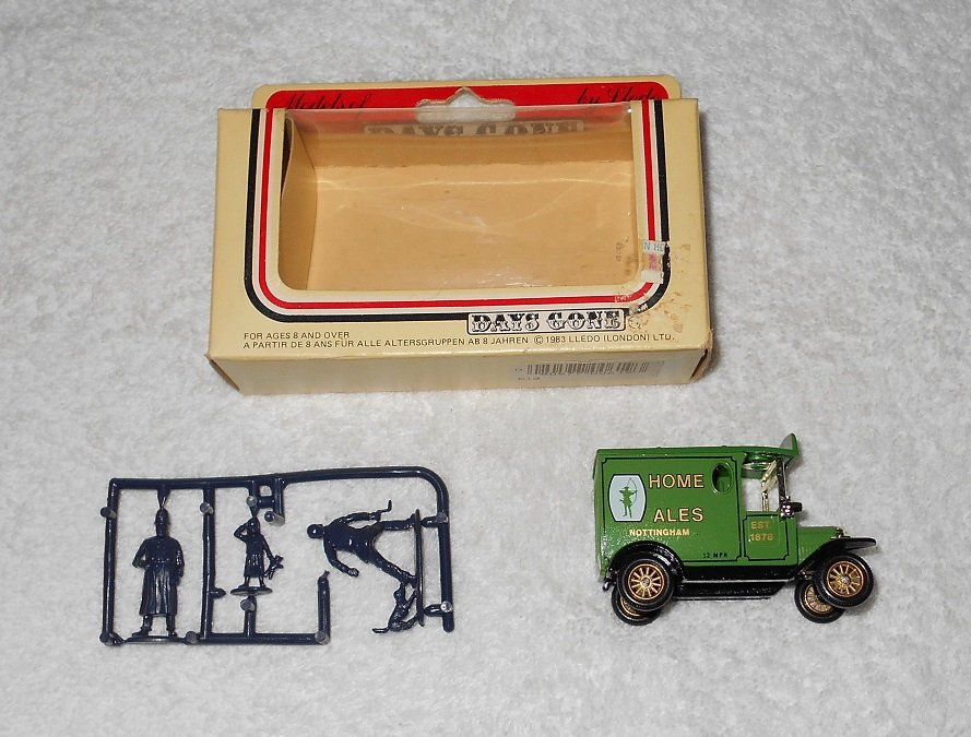 Lledo - Home Ales Truck - Green - Metal - Includes Figures & Box - 1983
