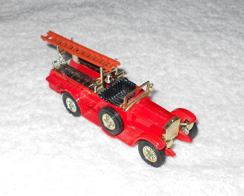 Matchbox - Rolls-Royce Ladder Truck - Borough Green - #Y6 & #Y7 - Red - Metal - Vintage