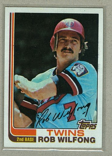 1982 Topps Baseball #379 Rob Wilfong Twins Pack Fresh
