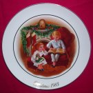 Avon Christmas Plate 1983-Enjoying The Night Before Christmas-9 inch Vintage Excellent Condition