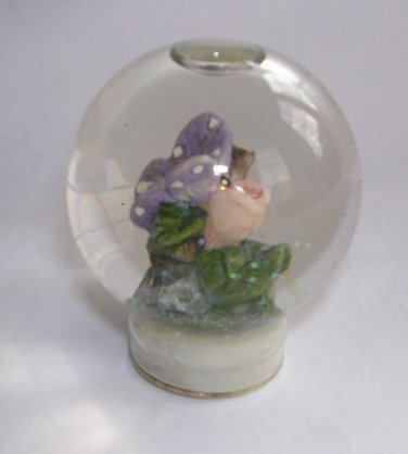 Butterfly Snow/Water Globe/Ball Bottle Top 2� Tall Excellent Used Condition