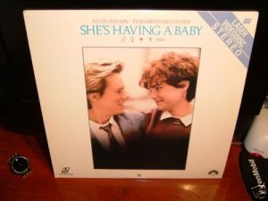 Laserdisc SHE'S HAVING A BABY 1988 Kevin Bacon Lot#1 FS LD