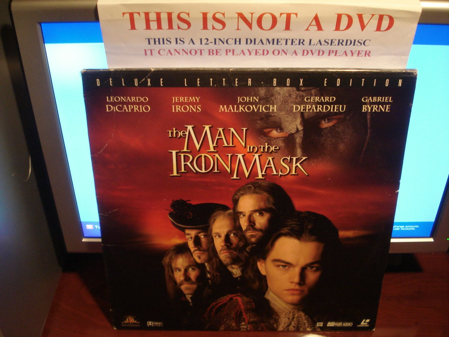 Laserdisc THE MAN IN THE IRON MASK 1998 Leonardo DiCaprio Lot#2 DLX LTBX AC3 LD