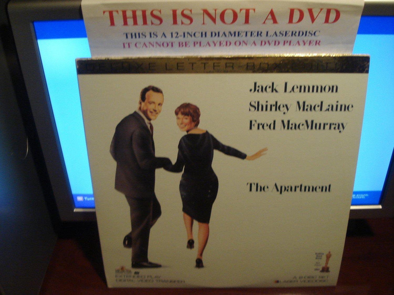 Laserdisc THE APARTMENT (1960) Shirley MacLaine Lot#2 DLX LTBX Classic LD