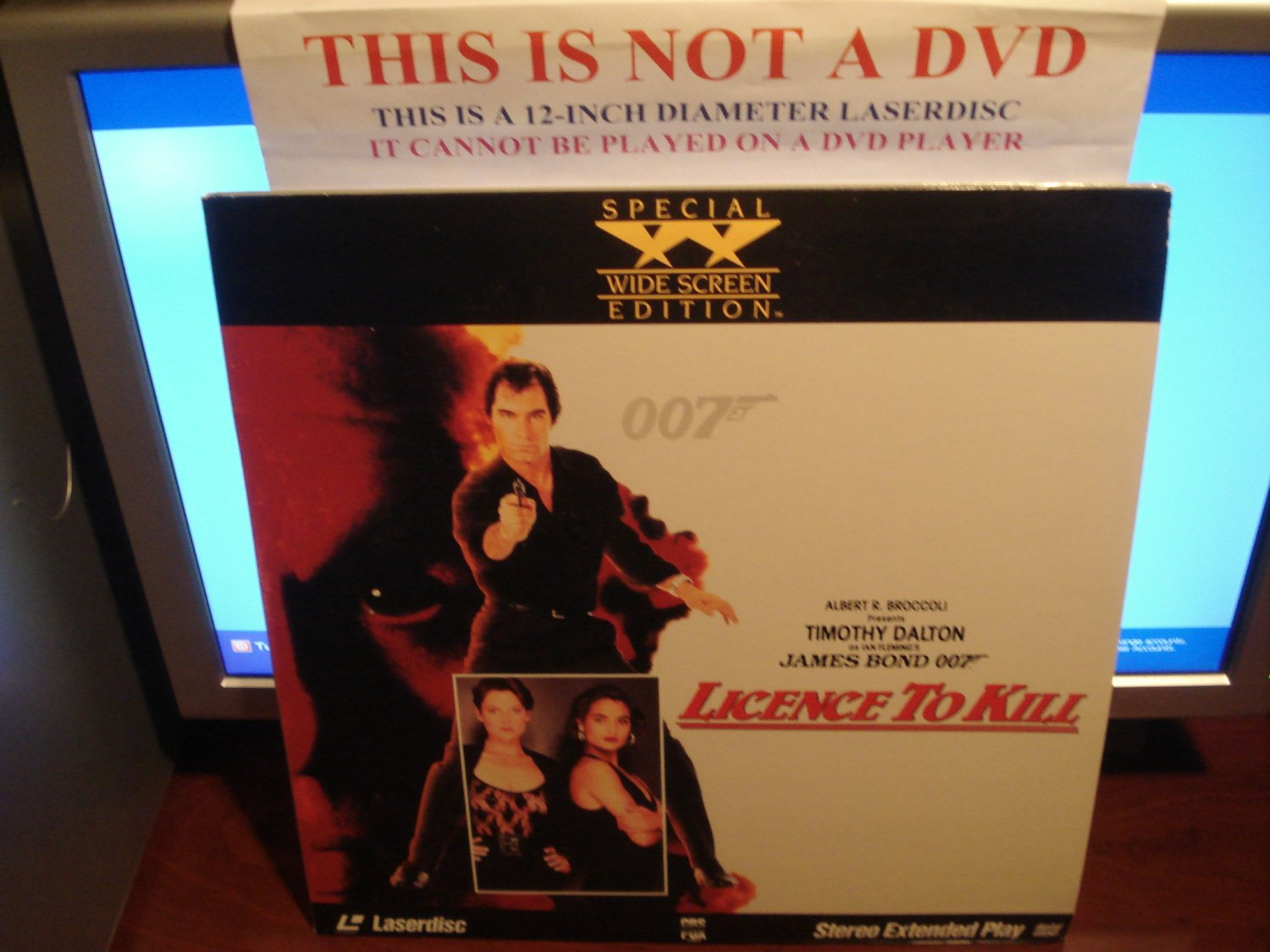 Laserdisc LICENCE TO KILL 1989 Timothy Dalton James Bond 007 Lot#4 SWE LD Movie [4755-80]