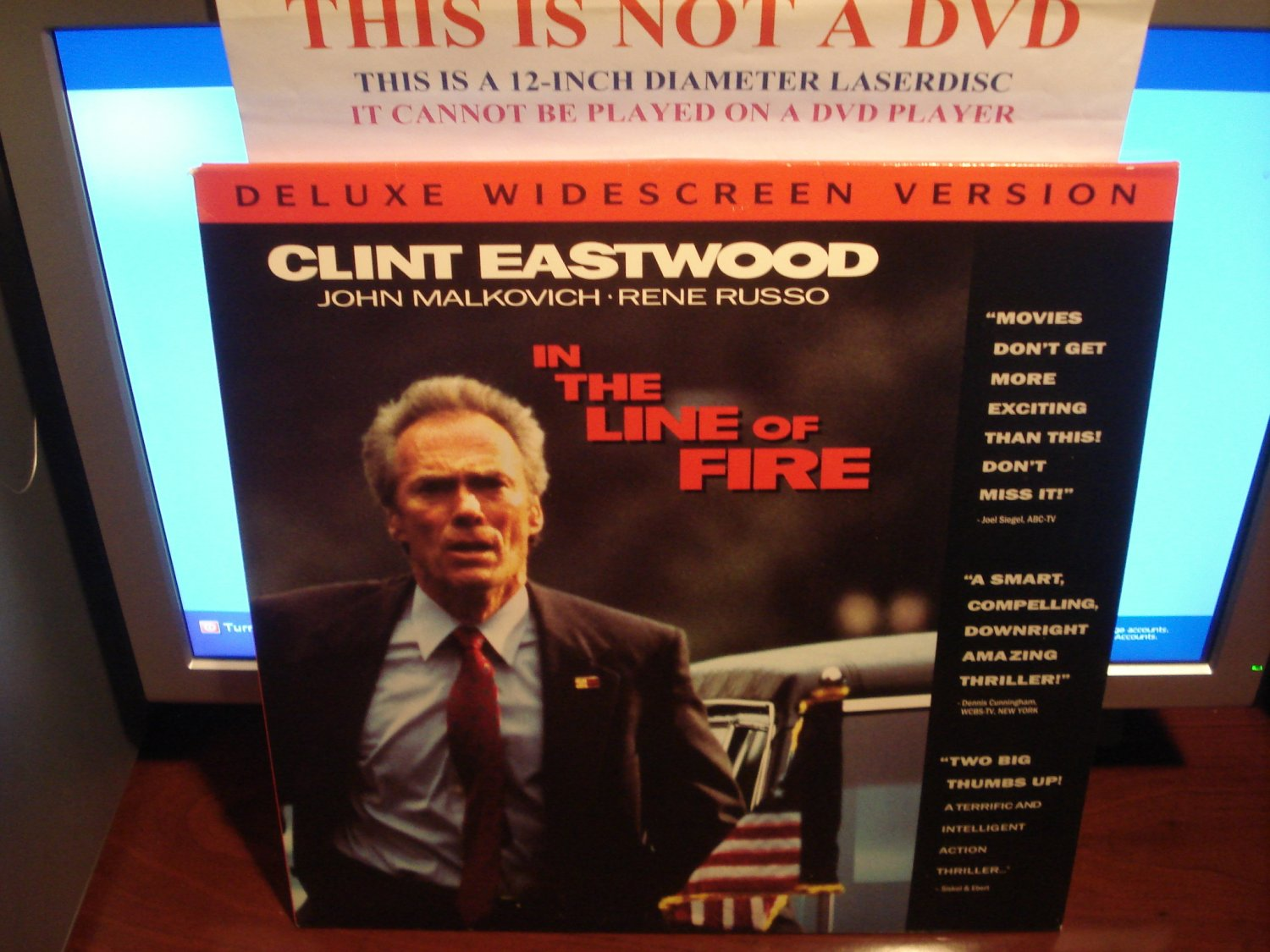 Laserdisc IN THE LINE OF FIRE 1993 Clint Eastwood Lot#2 DLX LTBX LD Movie [52316]