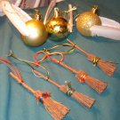 Harry Potter Quidditch Ornament Set Golden Snitch & broom Gryffindor Slytherin Ravenclaw Hufflepuff