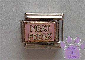 NEAT FREAK Italian Charm on pink