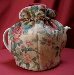 Heritage Rose Tea Cozy Small