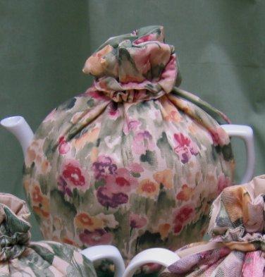 Paintbox Pansies 3-Cup Tea Cozy