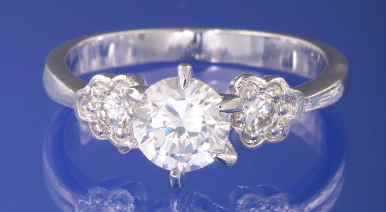 0.90ctw RUSSIAN DIAMOND ENGAGEMENT RING size N